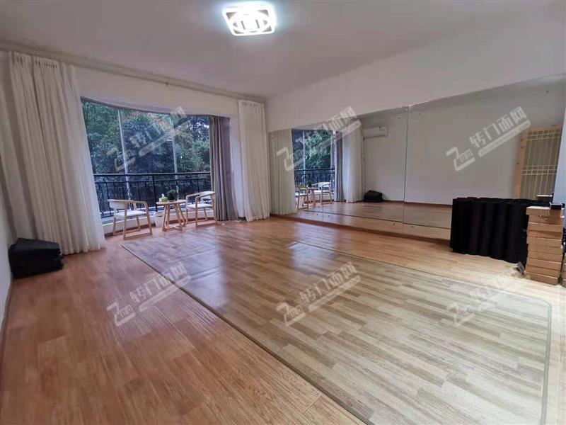 万家丽成熟瑜伽馆舞蹈室转让或招合伙人